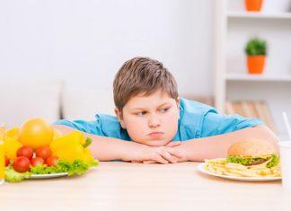 أسباب السمنة المفرطة عند الأطفال وكيفيّة اتباع نظام غذائي سليم