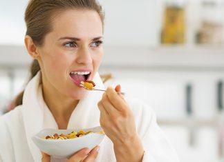 التغذية السليمة أثناء سن انقطاع الطمث